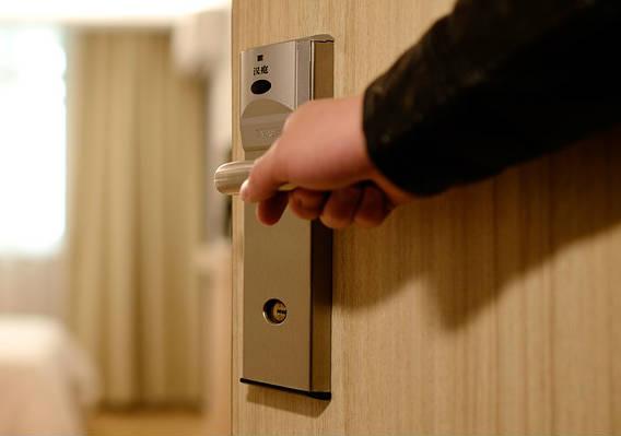 Offi-Smart Oficinas equipadas con concepto hotelero